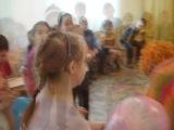 Выступление клоунов в детском саду